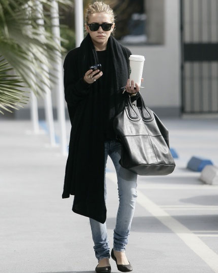 ashley olsen givenchy bag Givenchy Nightingale