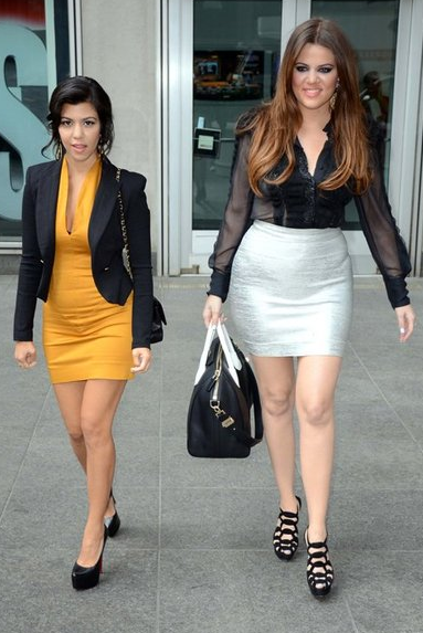 kourtney and khloe kardashian givenchy antigona Givenchy Antigona
