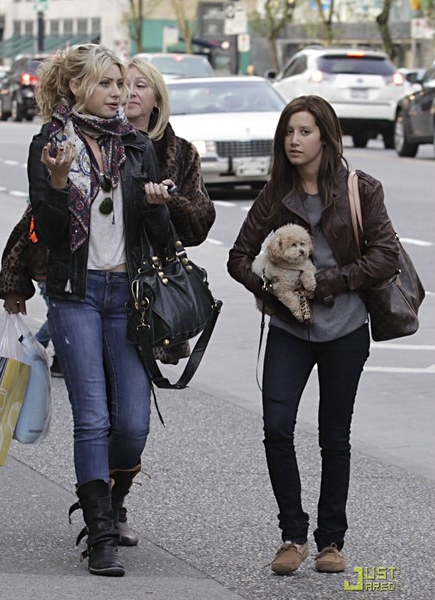 Ashley Tisdale Ugg Dakota Ugg Dakota